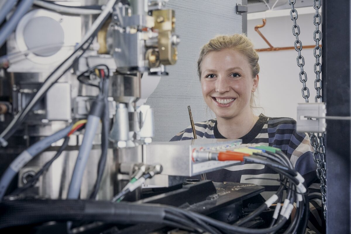 Yolita Eggeler ist Juniorprofessorin am KIT und forscht an neuen Materialien. (Foto: Amadeus Bramsiepe, KIT)